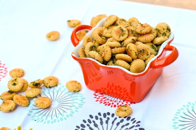 Seasoned Oyster Crackers Image