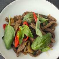 Stir-fry Beef with Chilli and basil