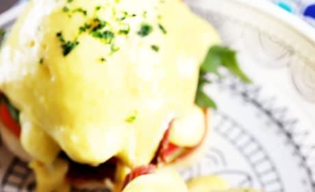 BLAT Eggs Benedict Image