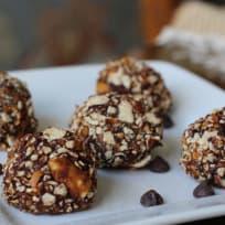 Four-Ingredient Pretzel Peanut Butter Bites
