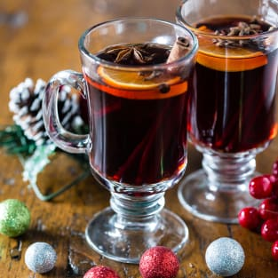 Spiced mulled wine photo
