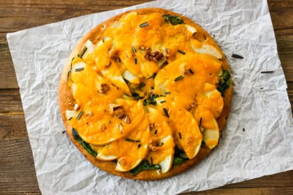 Cheddar Apple Pita Pizza Recipe