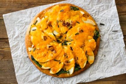 Cheddar Apple Pita Pizza Recipe