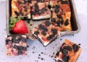 Very Berry Cheesecake Bars: Oreo Heaven