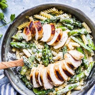 Chicken asparagus pasta photo