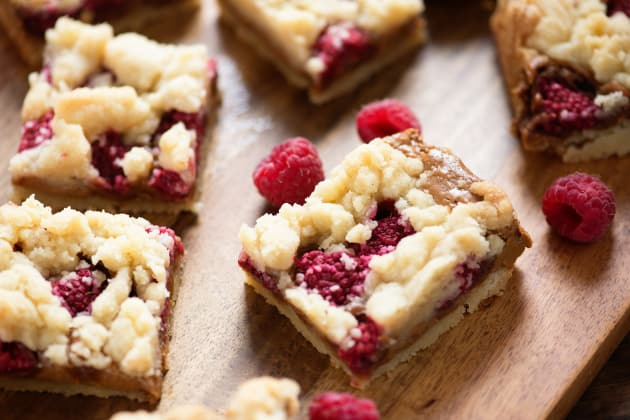 Raspberry Biscoff Crumb Bars Photo