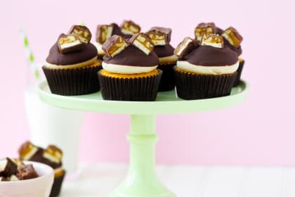 Pumpkin Snickers Cupcakes