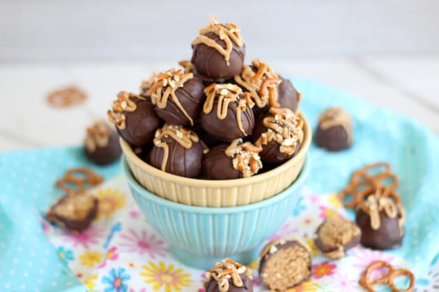 Peanut Butter Pretzel Truffles Photo