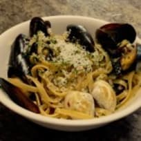 Clams and Mussels with pasta and white wine sauce