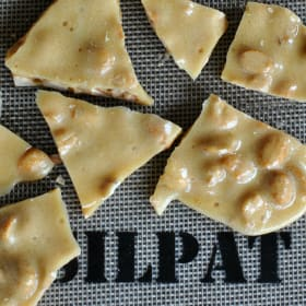 Homemade Peanut Brittle: A Sweet and Salty Dessert