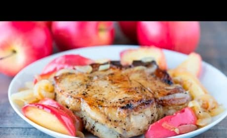 How to Make Apple Pork Chops with Caramelized Onions