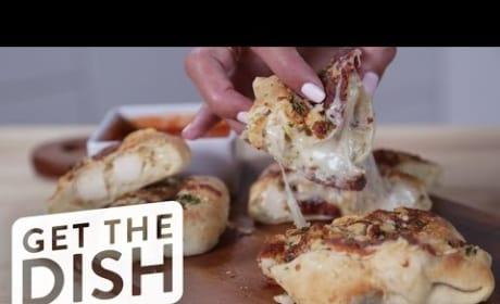 How to Bake the Ultimate Garlic Bread, Stuffed With Chicken and Cheese