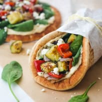Zucchini and Hummus Pita Sandwiches Recipe