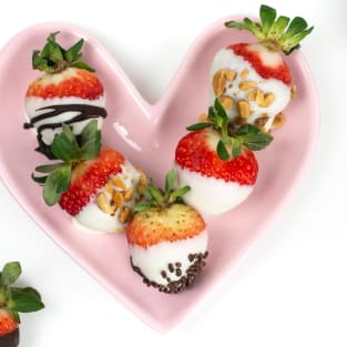 Chocolate covered strawberries photo