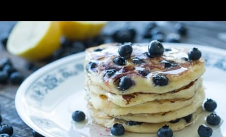 How to Make Ricotta Blueberry Pancakes