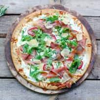 Prosciutto Pizza with Strawberries Recipe
