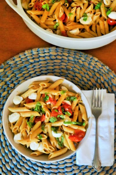 One Pot Caprese Pasta Picture