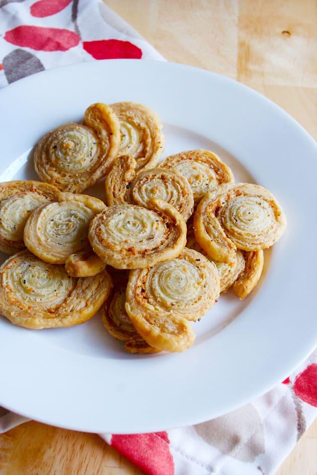 Garlic Butter Puff Pastry Pinwheels Image