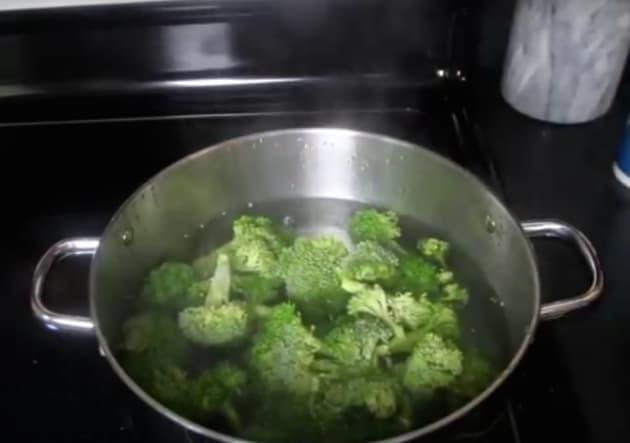 Boiling Broccoli