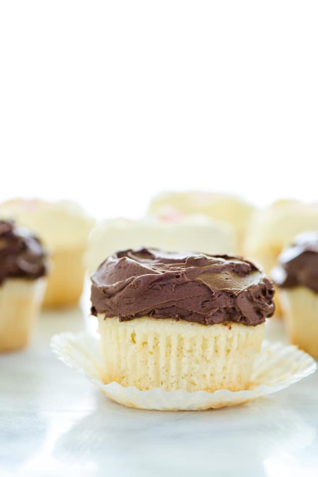 Gluten Free Vanilla Cupcakes Pic