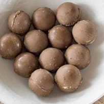 Whoppers chocolate covered malted milk balls | Fun candy recipes
