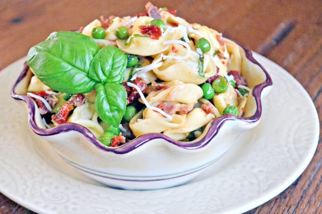Tortellini with Peas and Prosciutto Pic