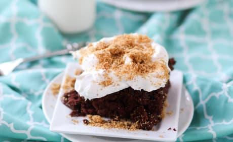 Chocolate Cream Pie Poke Cake Recipe