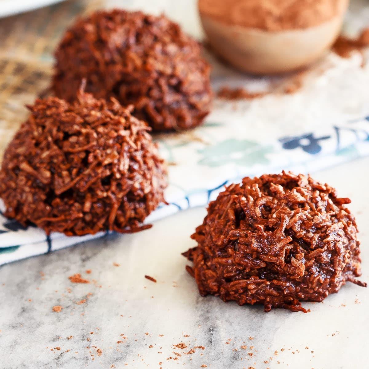 chocolate coconut macaroons recipe food fanatic