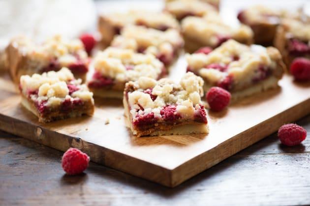 Raspberry Biscoff Crumb Bars Image