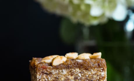Caramel Apple Peanut Kettle Corn Bars Picture