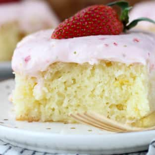 Strawberry champagne cake photo