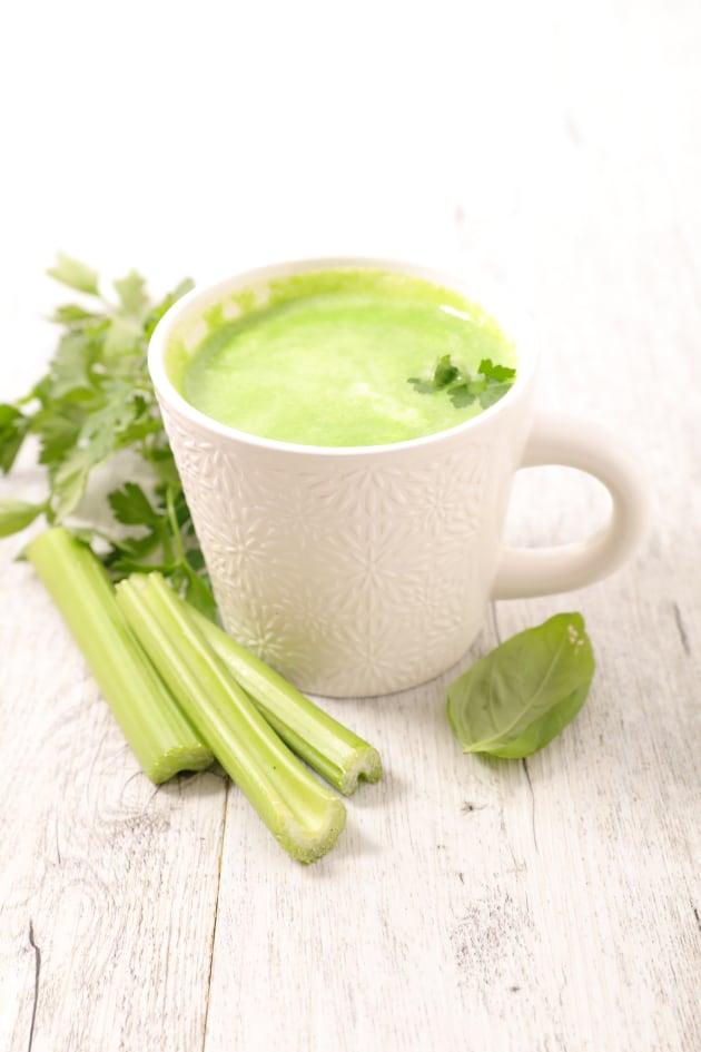 Green detox soup picture