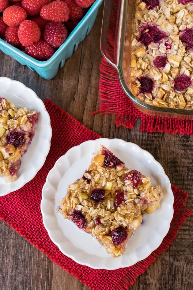 Raspberry Apple Baked Oatmeal Picture