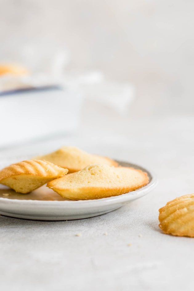 Classic French Madeleines Pic