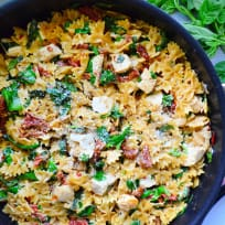 One Pot Creamy Smoked Sundried Tomato Pasta with Chicken Recipe