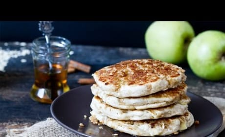 How to Make Apple Crisp Pancakes