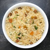 Quinoa with Pimento Stuffed Olives, Gold Raisins, and Cilantro