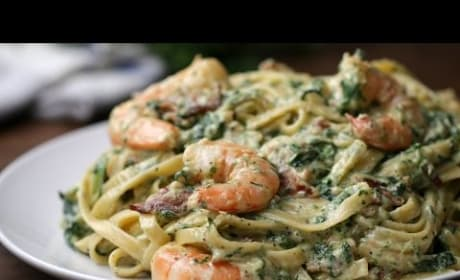 How to Make Shrimp Spinach Bacon Alfredo