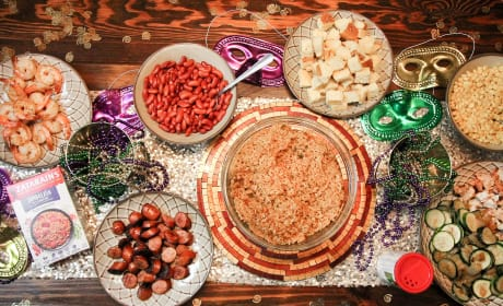 How to Celebrate Mardi Gras with a Jambalaya Party Bar