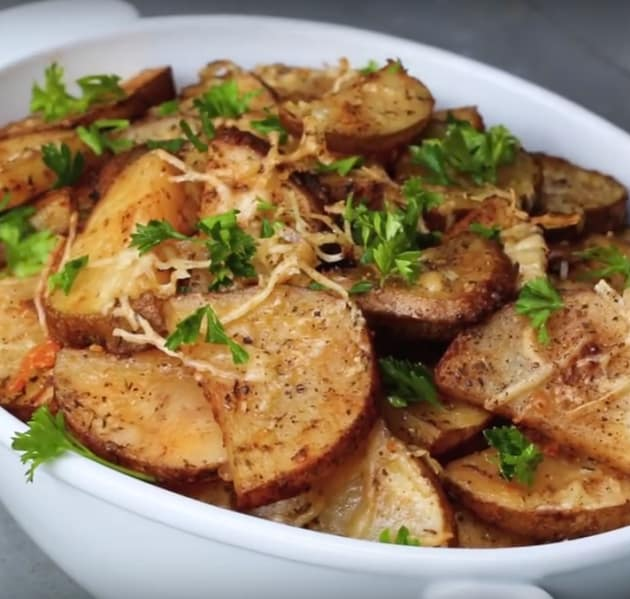 Roasted Garlic Parmesan Potatoes
