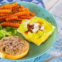 How to cook California bison burger with avocado and Gouda and goat cheese