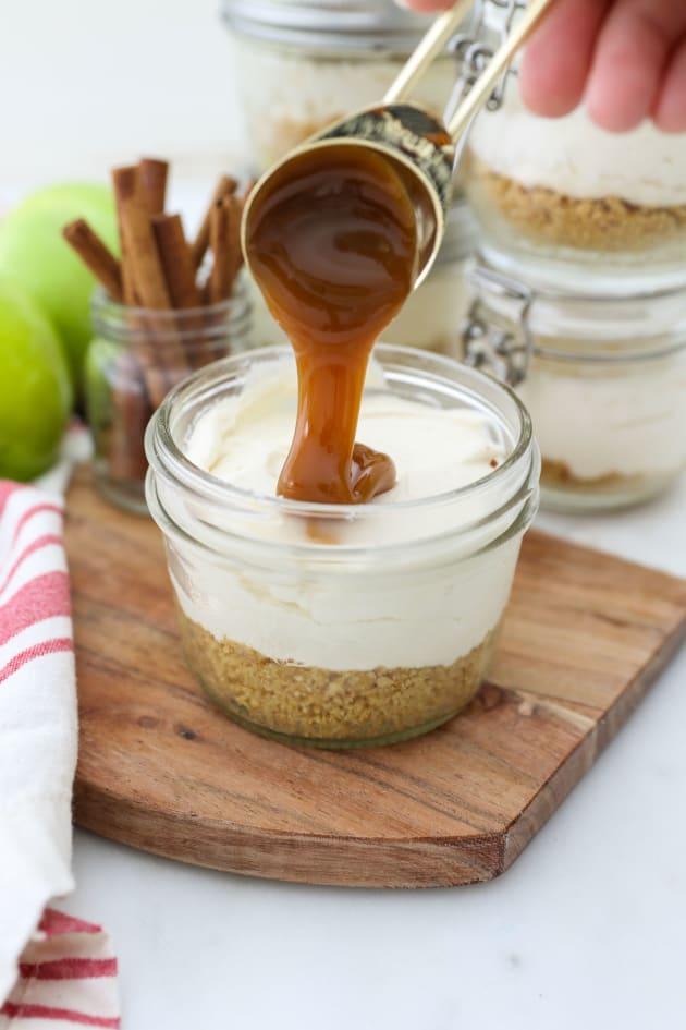 No Bake Mini Apple Pie Cheesecakes Picture