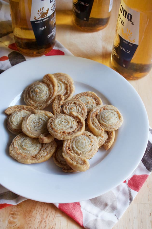 Garlic Butter Puff Pastry Pinwheels Picture