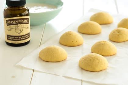 Vanilla Cookies with Vanilla Bean Glaze