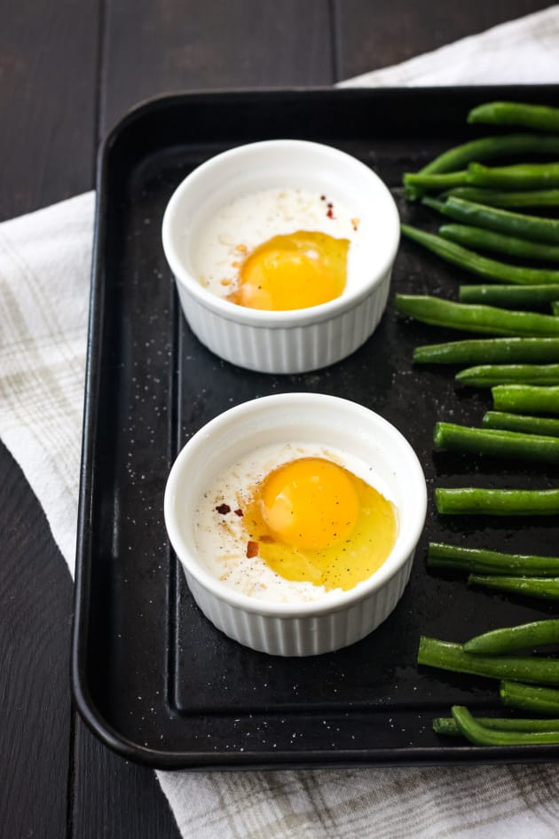 Baked Eggs and Green Beans Image