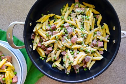 One Pot Creamy Ham & Pea Pasta