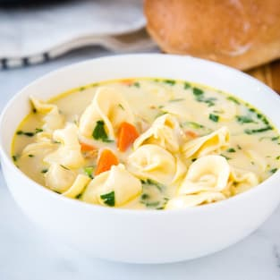 Creamy chicken tortellini soup photo