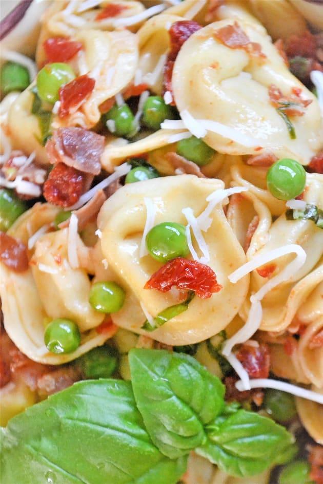 Tortellini with Peas and Prosciutto Picture