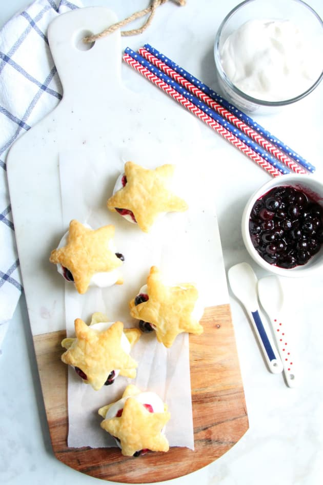 Blueberry Cream Puffs Picture