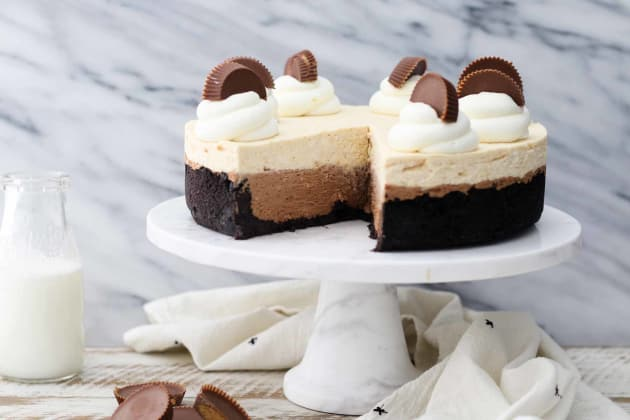 Peanut Butter Chocolate Mousse Pie Pic
